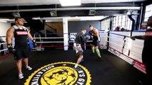 Boxe & rugby à Pau : entraînement de boxe pour les joueurs de la Section Paloise avec Karim Aliliche