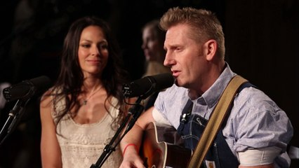 Joey+Rory - The Preacher And The Stranger
