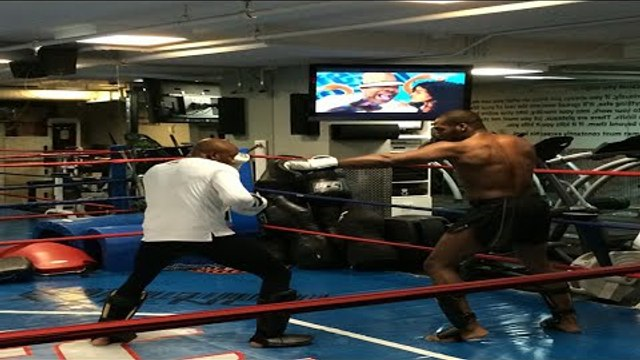 Jon Jones spars Anderson Silva at UFC offices- Fight Hub TV News Brief