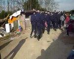 Bidonville de roumains roms Grigny A6 expulsion 4 avril 17