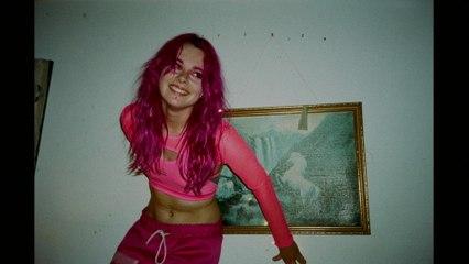 GIRLI - Girl I Met On The Internet