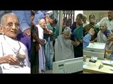 PM Modi's mother Heeraben visits bank to exchange old notes   Oneindia News