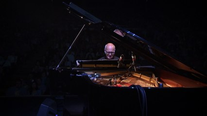 Ludovico Einaudi - Whirling Winds
