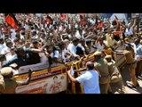 Cauvery Row : Protesters in Mandya block Mysuru-Bengaluru highway   Oneindia News