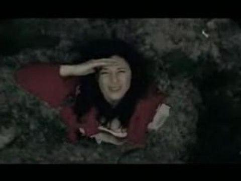 La Fille d'Octobre - clip Trop d'amour tue
