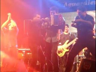 El Mafia En Acción - Acordeonero Daniel Calderón y Los Gigantes (Feria de las Flores) ®