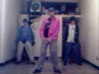 """Bailando por tu vieja - """"Dangerous"""" (2007)"""