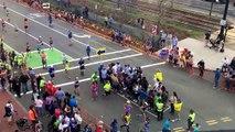 Technique bien pratique pour faire traverser les piétons lors d'un marathon