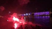 1h30 du mat : les ultras du Besiktas allument des fumigènes face à l'hôtel des lyonnais