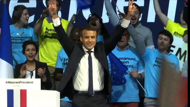Macron s'affiche avec Le Drian et Cohn-Bendit à Nantes