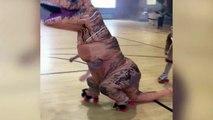 On sait pourquoi les dinosaures ont disparu... Ils ne savent pas faire de roller