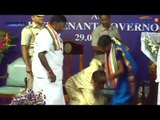 Kiran Bedi touches feet of Congress MLA at oath ceremony, Watch video | Oneindia News