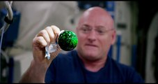 This 4K Ultra HD video of astronauts playing with water + antacid tablet +food coloring in weightlessness is mesmerizing