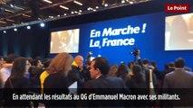 A Porte de Versailles, la soirée d'Emmanuel Macron débute