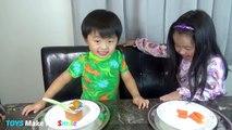 Bébé aliments contre adulte aliments