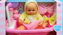 Vivant et bébé bain Baignoire par par fou poupée échouer meubles parodie faire pipi temps équipe avec disn