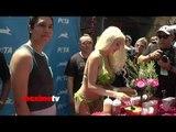 Courtney Stodden Makes Veggie Dogs in Lettuce Leaf Hot Bikini!