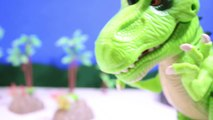 DINOSAUR ROBOT Training and Building a Robot DINOSAUR Toy Video for Kids   Review-RRcBQ