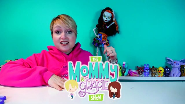 Giant Maddie Hatter from Ever After High 28' Doll Review-2nRuOTaoJ
