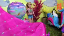 FLYING ! Lemonade ! Elsa & Anna toddlers FLY with Barbie's Magical Dreamboat - Accident ! Playing-7j