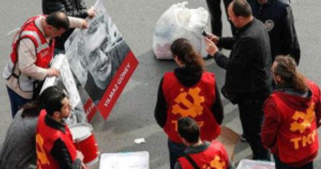 Taksim'de 2 Gözaltı