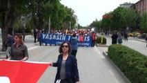 Çorum'da 1 Mayıs Kutlamalarına Gelenler ve Bebek Arabaları Didik Didik Arandı