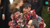 Le tapis rouge du Gala du MET et la robe folle de Rihanna en images