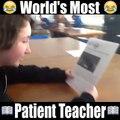 Quand ton prof et toute la classe se moque de toi parce que tu sais pas lire!