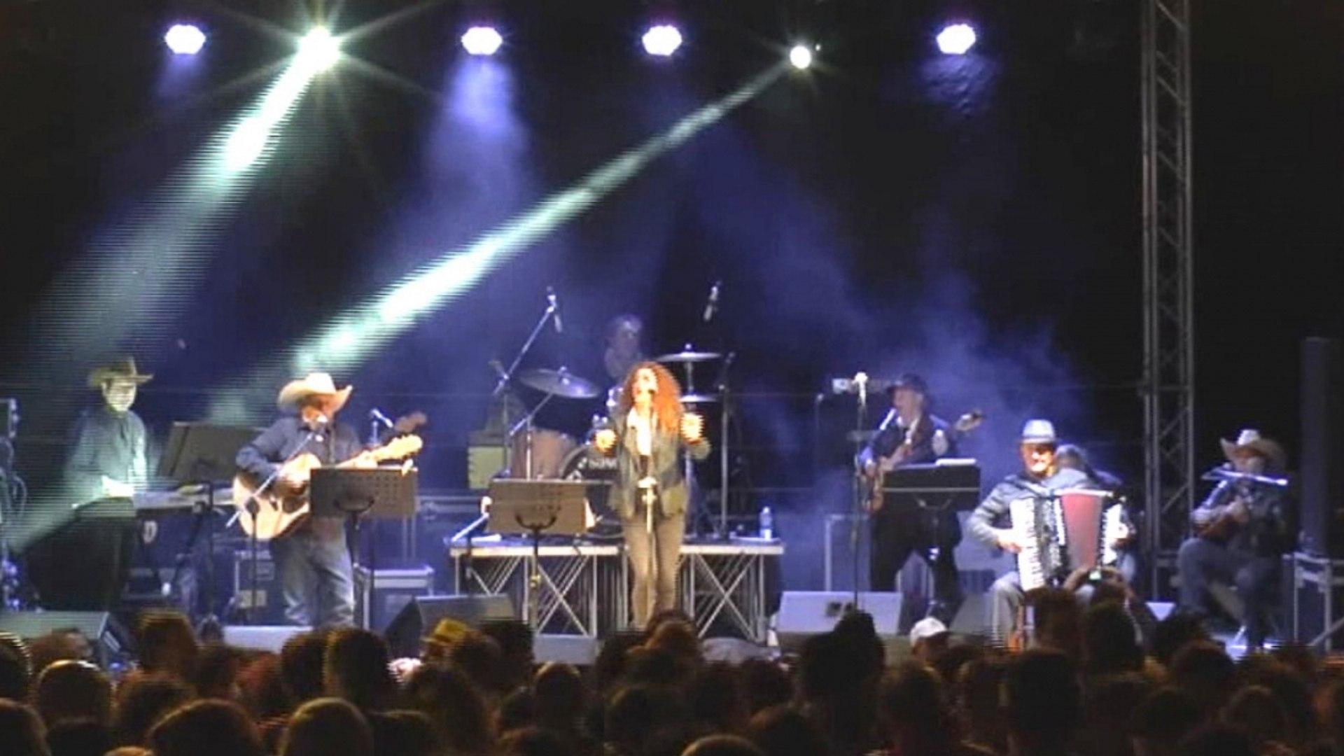 Banda della Posta - Se la morte me la dessi tu - @ Sponz Fest 2016 (Musica italiana da ballo)