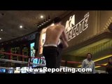 WOW that speed! Ryan King Ry kills mitts - EsNews Boxing