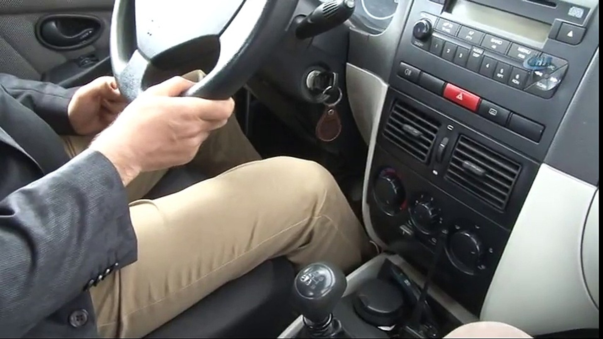 Gizemli Yolda Boşta Bırakılan Araçlar Kendi Rampa Çıkıyor