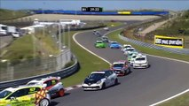 Renault Clio Cup Central 2016. Race 1 Circuit Park Zandvoort. Leaders Crash