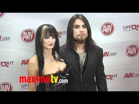 Alektra Blue and Dave Navarro at 2012 AVN AWARDS Show Red Carpet Arrivals
