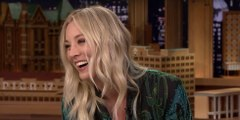 Kaley Cuoco Sings The Big Bang Theory Theme Song