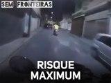 Brésil : course-poursuite dans des rues ultra étroites
