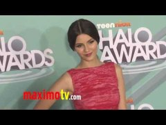 Victoria Justice VICTORIOUS at 2011 TeenNick HALO Awards Arr