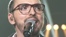 """Christophe Willem chante """"Jacques à dit"""" avec les 2000 choristes"""