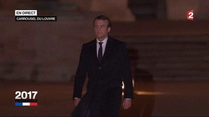 Esplanade du Louvre : Emmanuel Macron fait son entrée sur l'Ode à la joie