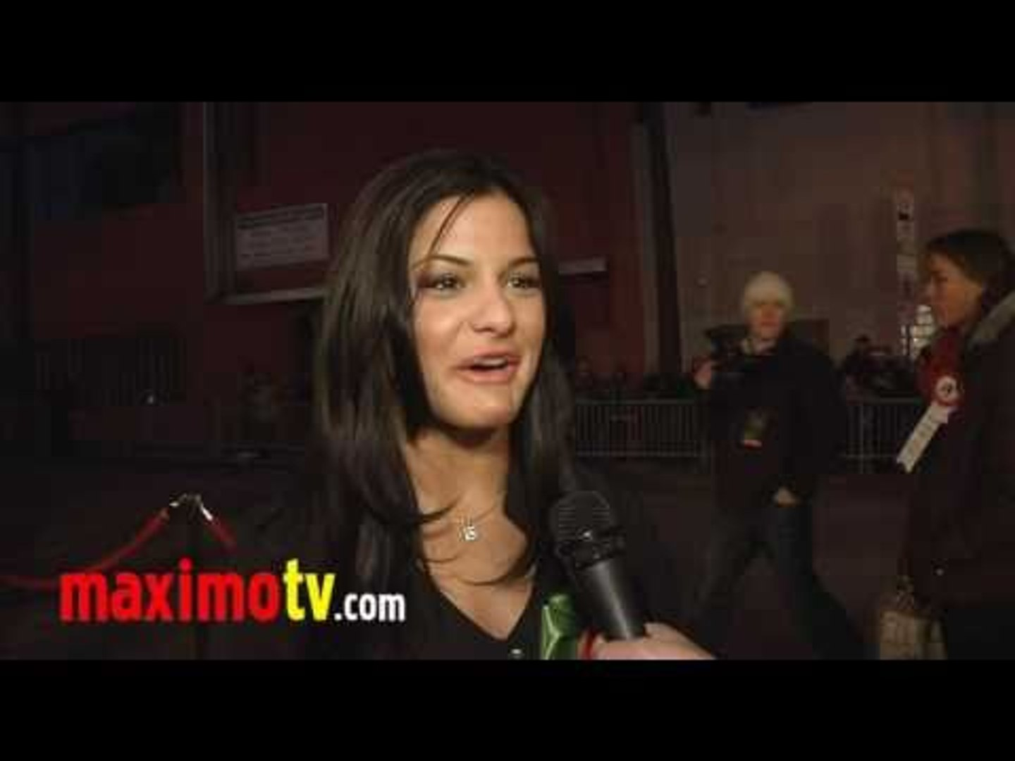 Courtney Galiano Interview 2010 Hollywood Christmas Parade - Glee Touring