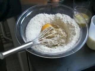 Recette du gâteau fondant aux pommes, noisettes et calvados
