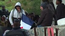 Près d'un millier de migrants évacués du nord de Paris