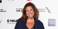 Abby Lee Miller Enters Courthouse Smiling After Judge Reveals She'll Get Prison Time! Plus More Celeb News