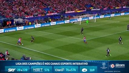 Incrível! Sergio Ramos corta a bola na pequena área para evitar o go do Atlético de Madrid