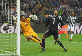 Cristiano Ronaldo tem 5 gols marcados em 4 confrontos contra Buffon