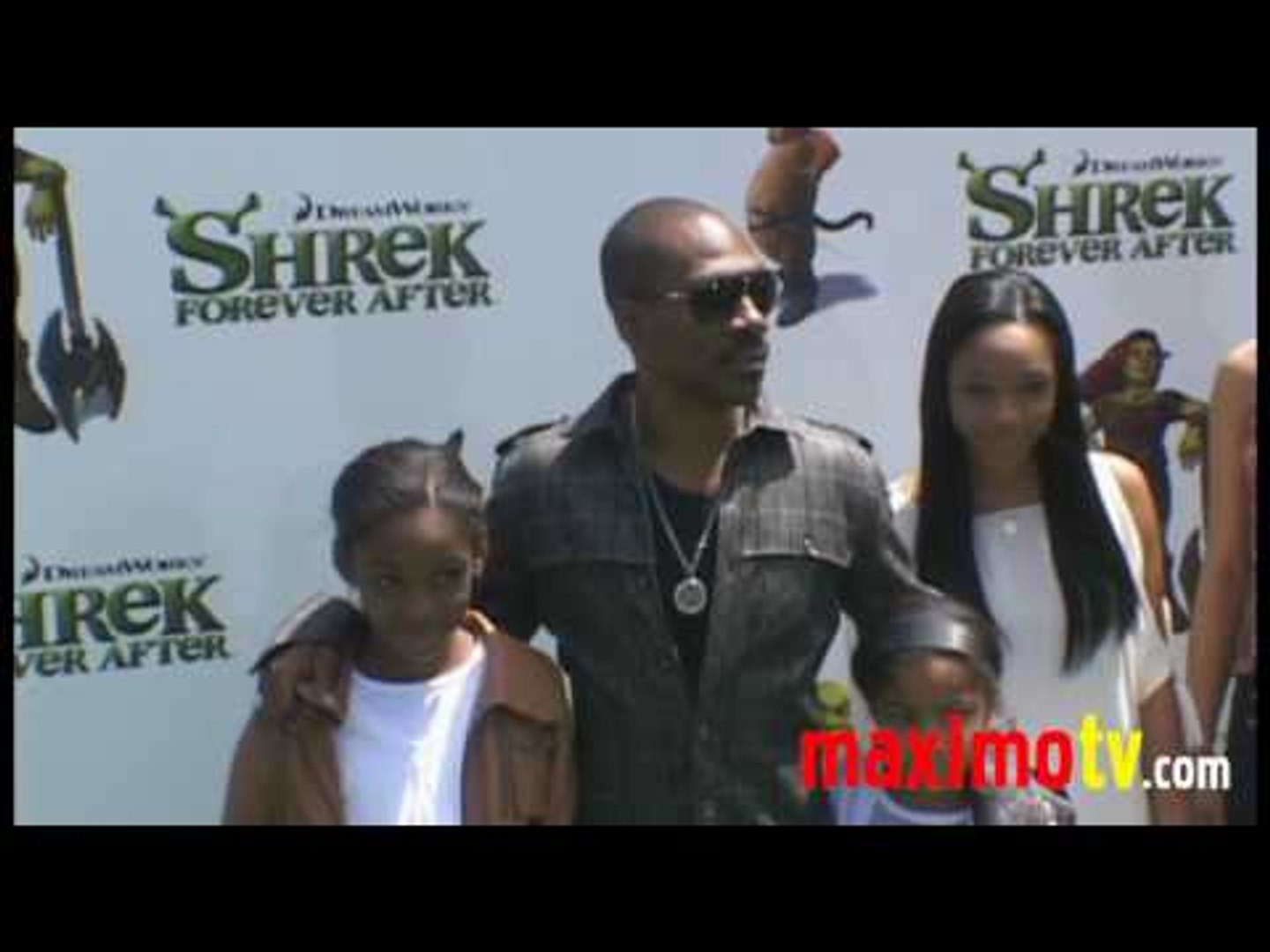 Eddie Murphy Donkey And Family At Shrek Forever After Los Angeles Premiere May 16 2010 Video Dailymotion