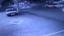 Aşırı Hızlı Otomobil Sürüye Daldı; 25 Koyun Telef Oldu