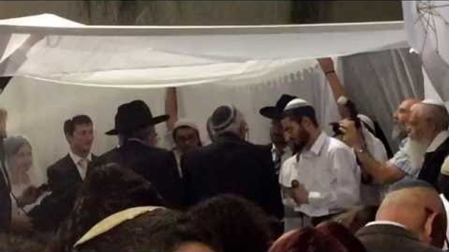 Wedding In Jerusalem in a middle of a residential neighborhood how they get down  - esnews