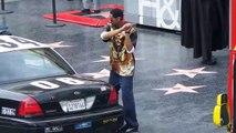 Ce taré défonce une voiture de police sur Hollywood Boulevard