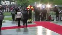 A Berlin, Angela Merkel guide François Hollande