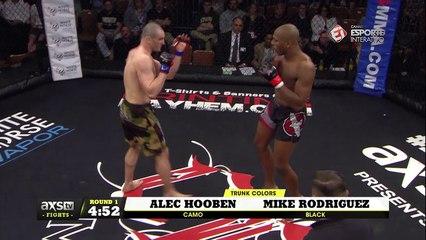 Melhores momentos de Mike Rodriguez X Alec Hooben - CES 44